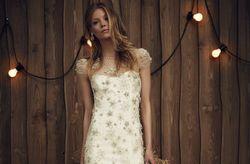 Efeito dourado sobre o vosso vestido de noiva? Sim, por favor!