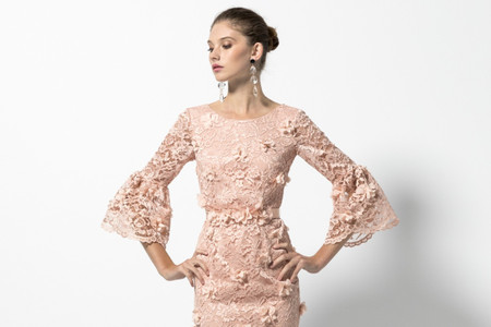Dusty pink: a cor perfeita para um look de convidada primaveril