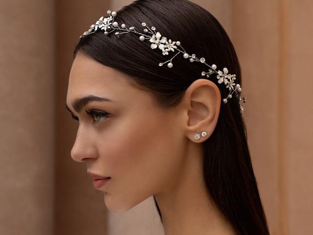 30 acessórios com pérolas para o teu penteado de noiva