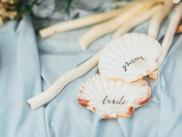 Decoração de casamento com conchas e búzios