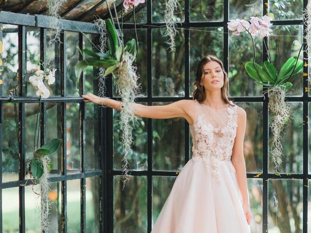 Gio Rodrigues 2019: vestidos de noiva com toques de cor