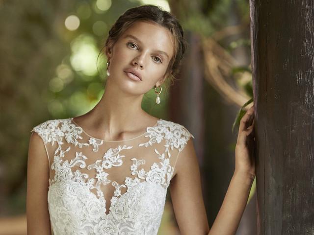 Vestidos de noiva Adriana Alier 2021: Magia, sensualidade e naturalidade