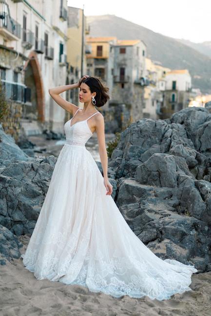 Vestidos Allure Bridals 2020/2021: o que a marca reserva para a próxima temporada