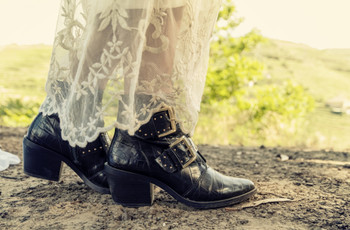 As melhores dicas de botas boho chic para noivas de inverno