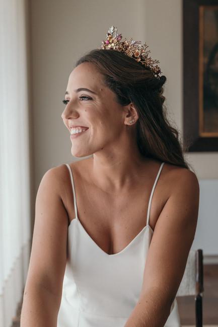 Penteados com tiaras para uma noiva boho chic