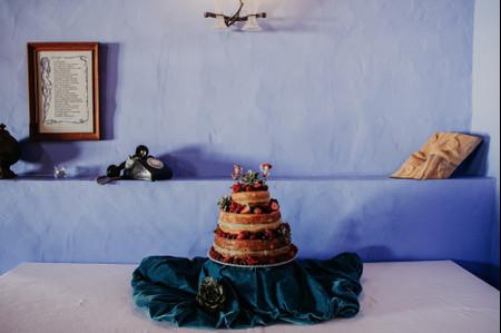 20 canções docinhas para a chegada do bolo de casamento