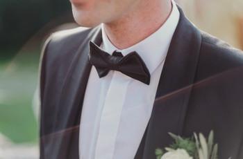 Vantagens & desvantagens de alugar o fato de noivo