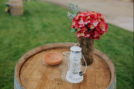 Mesas rústicas de madeira: a melhor aposta para um casamento único!