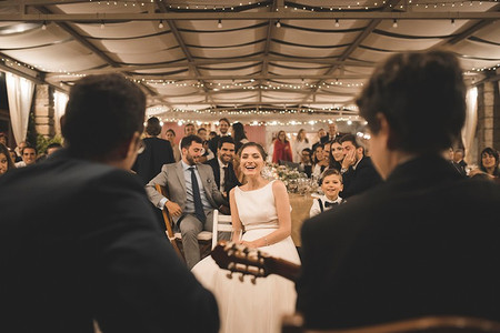 Casamento com karaoke: 30 canções que não podem faltar!
