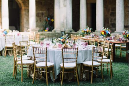 Loiça de cor na decoração do vosso casamento, porque não?