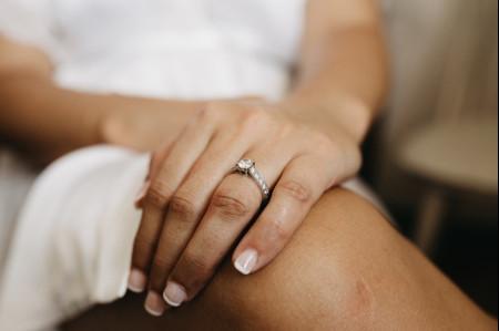 Dicas fundamentais para cuidar do anel de noivado