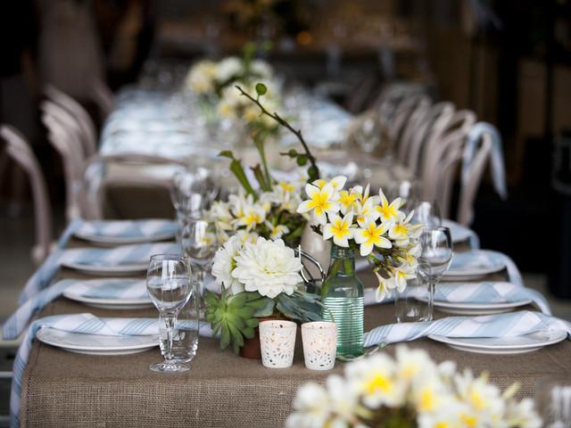 Illuminating + Ultimate Gray, a cor do ano que não pode faltar nos casamentos