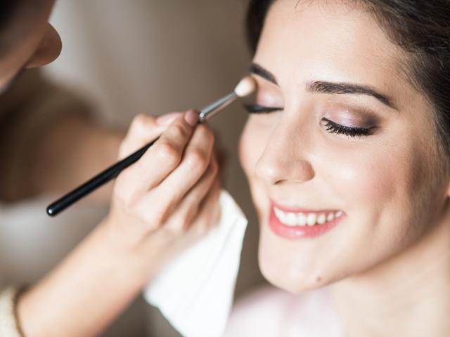 Os 6 produtos de beleza essenciais para a noiva