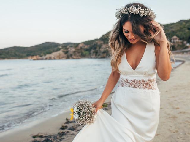 Casamento na praia: dicas para acertar no vestido de noiva