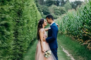 Vestidos de noiva com tons rosados: a grande tendência do momento