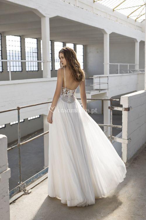Emily, Modeca