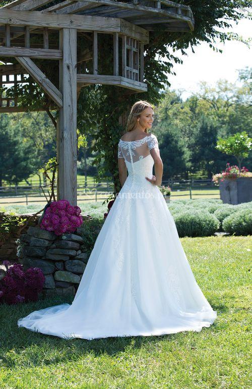 3989, Sincerity Bridal