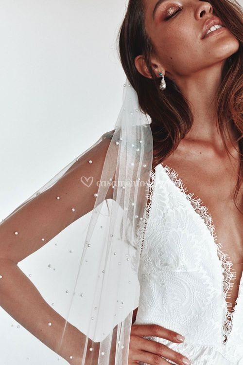 pearly long veil, Grace Loves Lace