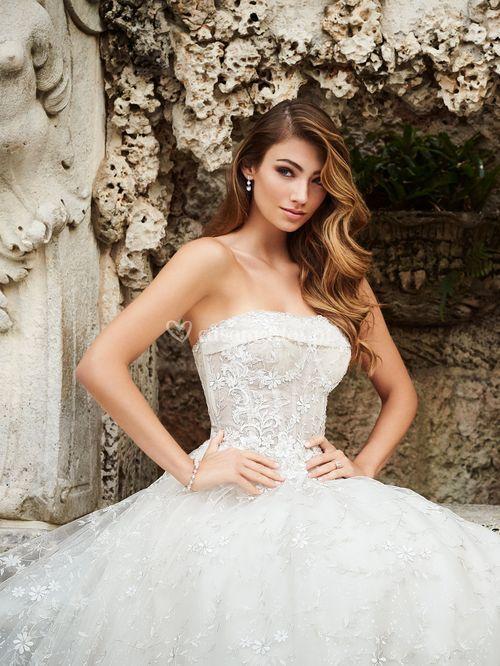 218201, Mon Cheri Bridals