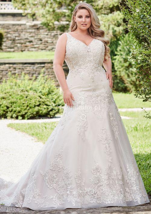 120235, Mon Cheri Bridals