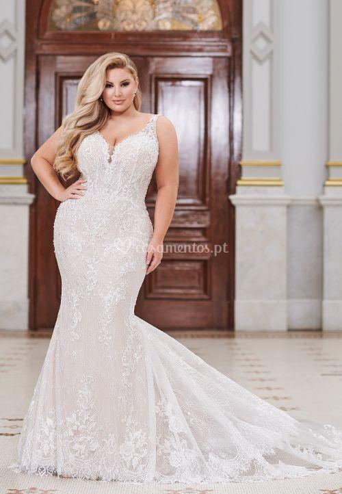 220268w, Mon Cheri Bridals