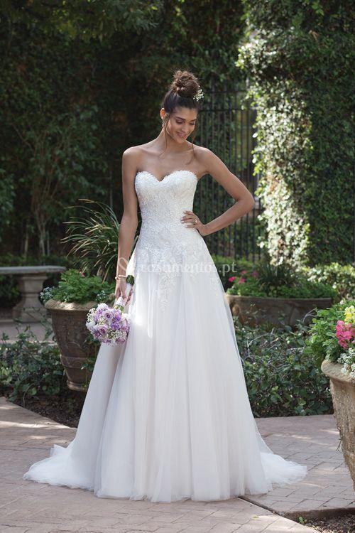 4019, Sincerity Bridal