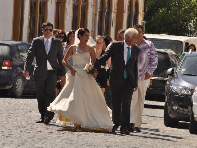 O casamento de Marco e Tânia em Pego, Abrantes 23