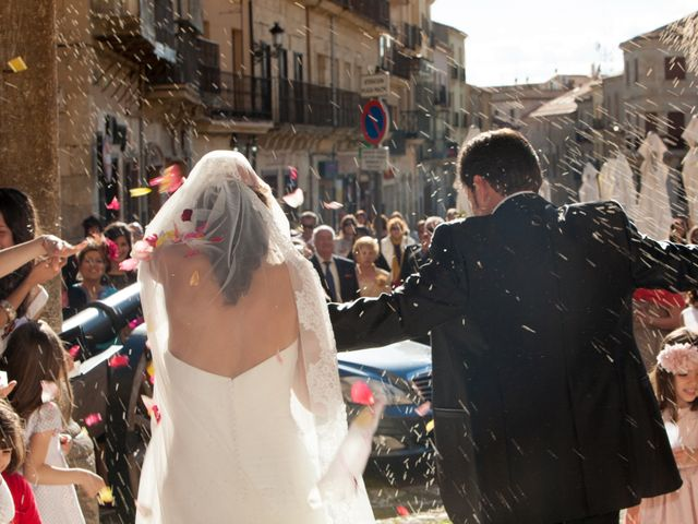 O casamento de Leandro e Bea em Vilar Formoso, Almeida 8