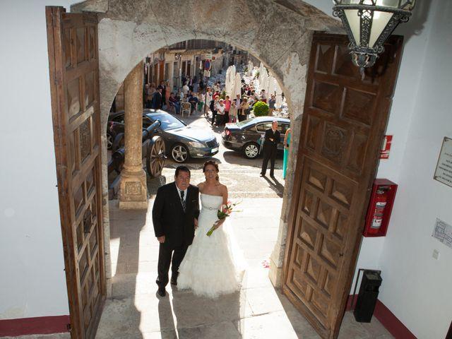 O casamento de Leandro e Bea em Vilar Formoso, Almeida 16