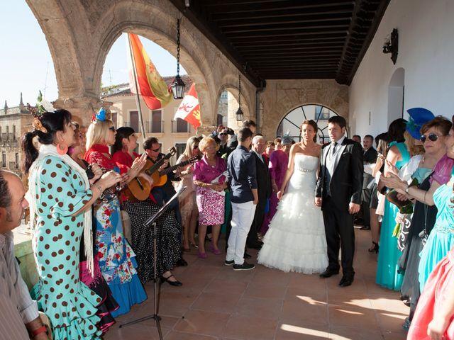 O casamento de Leandro e Bea em Vilar Formoso, Almeida 19