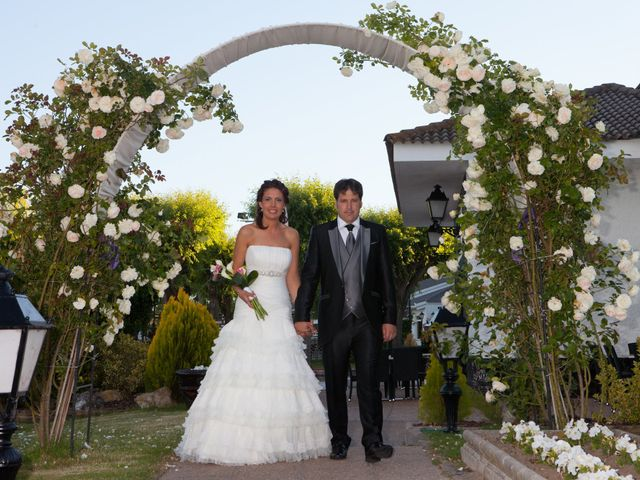 O casamento de Leandro e Bea em Vilar Formoso, Almeida 24