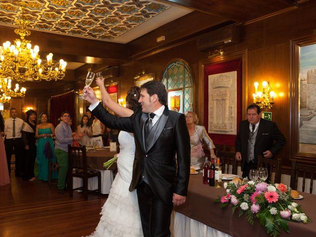 O casamento de Leandro e Bea em Vilar Formoso, Almeida 31