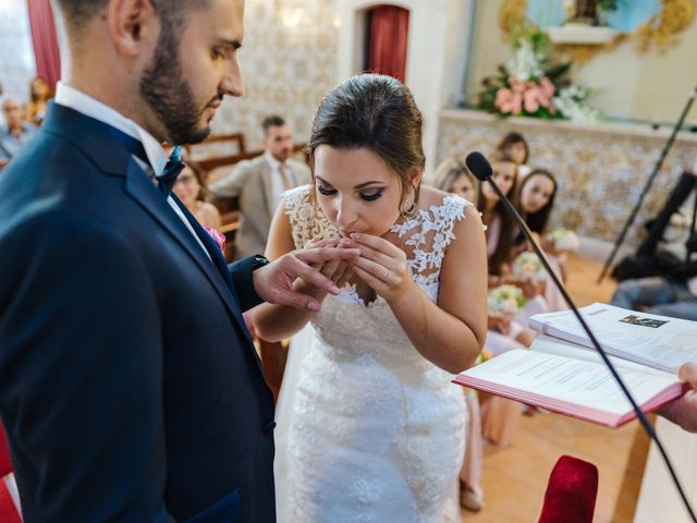O casamento de Ricardo e Virginie em Troviscal, Oliveira do Bairro 42