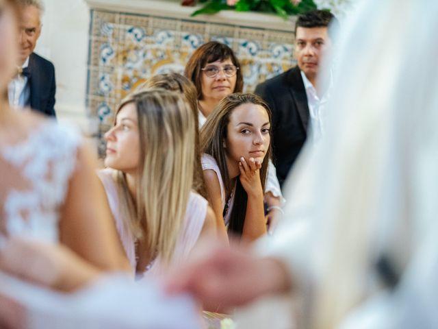 O casamento de Ricardo e Virginie em Troviscal, Oliveira do Bairro 44