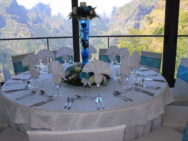 O casamento de Dinarte e Cláudia em Ilha, Madeira 21