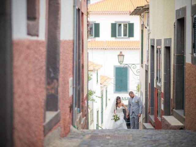 O casamento de Daniel e Débora em Câmara de Lobos, Madeira 50