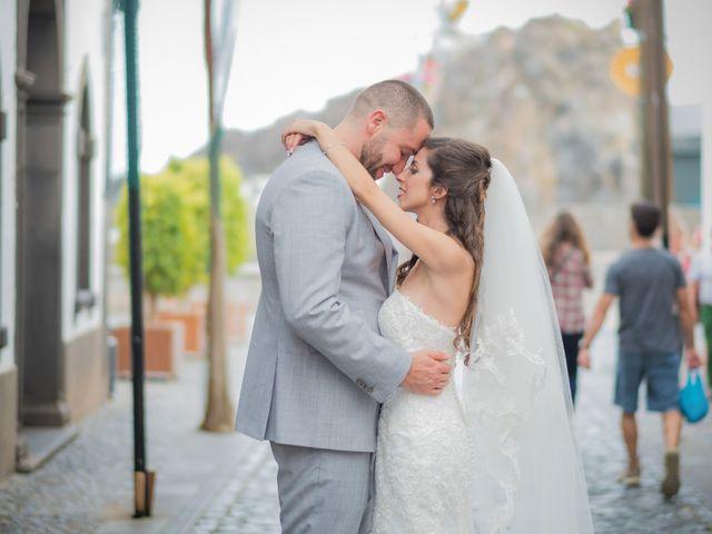 O casamento de Daniel e Débora em Câmara de Lobos, Madeira 53