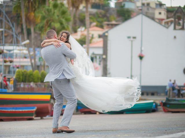 O casamento de Daniel e Débora em Câmara de Lobos, Madeira 59