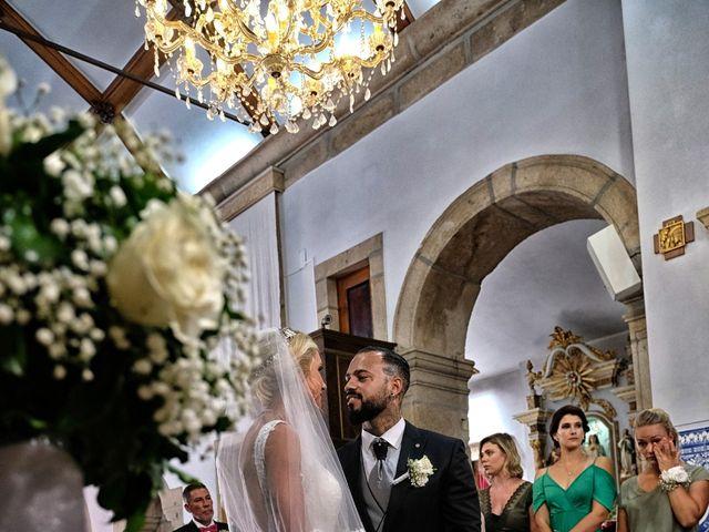 O casamento de Brown e Nathi em Amares, Amares 23