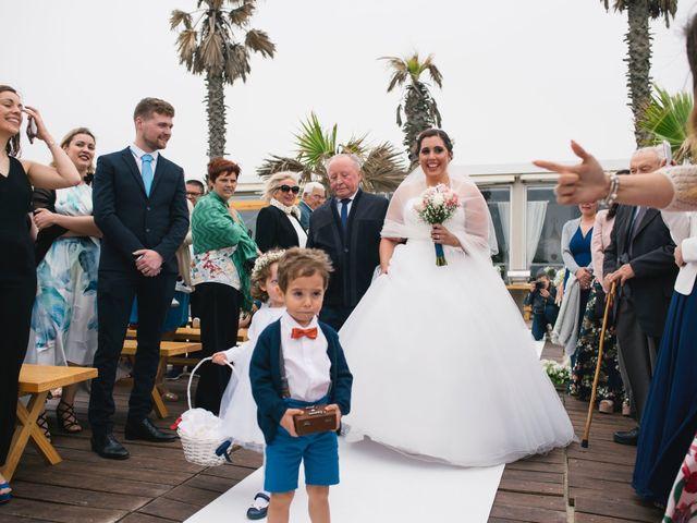 O casamento de Tiago e Viviana em Azurara, Vila do Conde 60