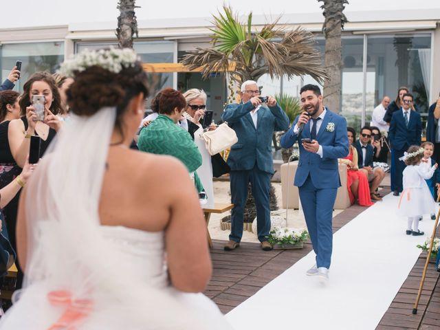 O casamento de Tiago e Viviana em Azurara, Vila do Conde 69