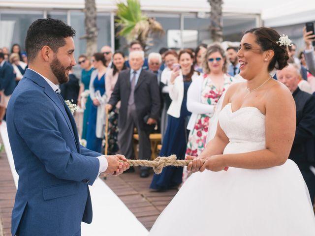O casamento de Tiago e Viviana em Azurara, Vila do Conde 74