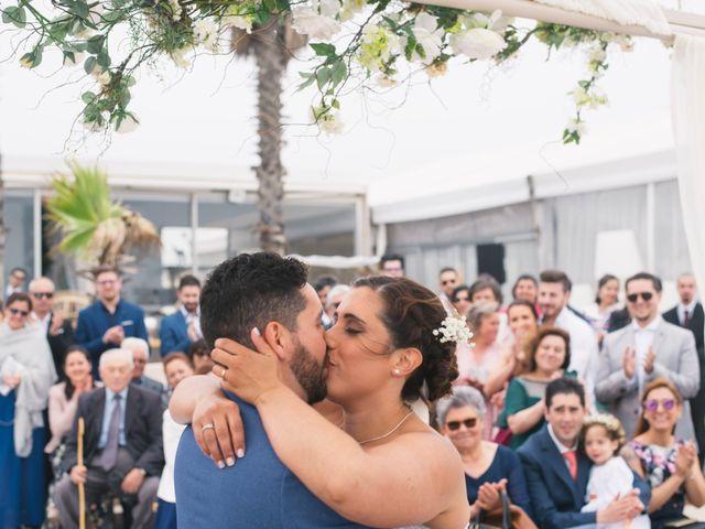 O casamento de Tiago e Viviana em Azurara, Vila do Conde 79