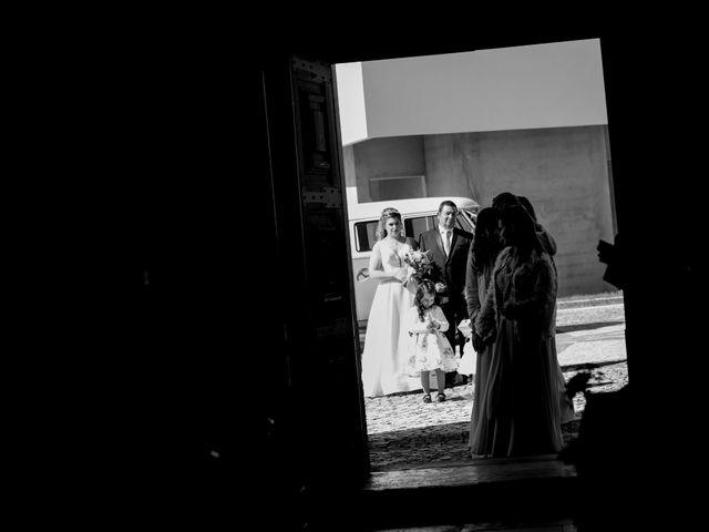 O casamento de João e Cristiana em Gesteira, Soure 18