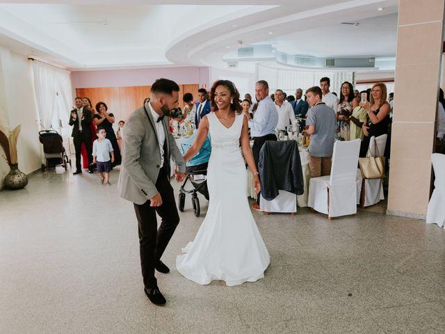O casamento de Acácio e Mirla em Fernão Ferro, Seixal 32