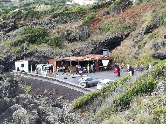 O casamento de Hugo e Susana em Lajes do Pico, Pico 13