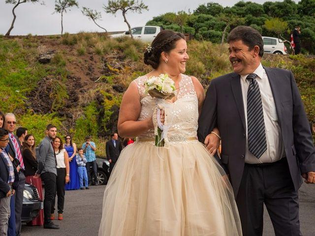 O casamento de Hugo e Susana em Lajes do Pico, Pico 18