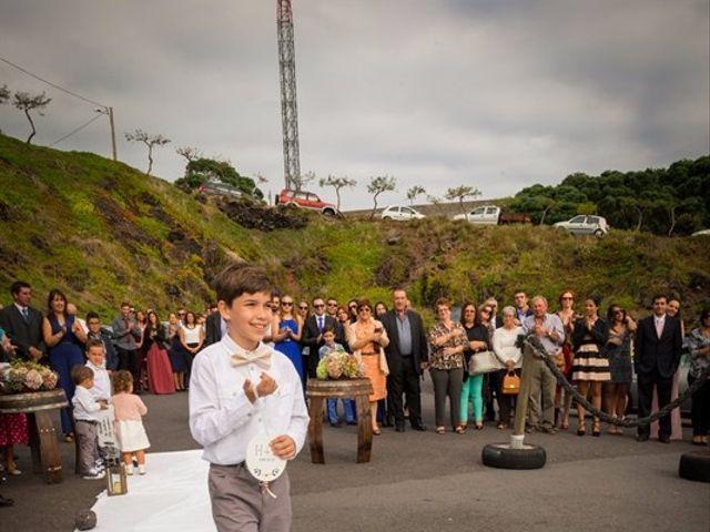 O casamento de Hugo e Susana em Lajes do Pico, Pico 23