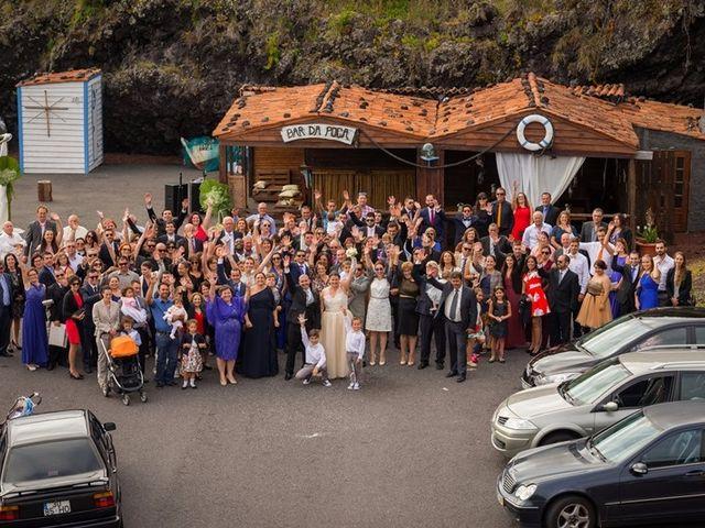 O casamento de Hugo e Susana em Lajes do Pico, Pico 35