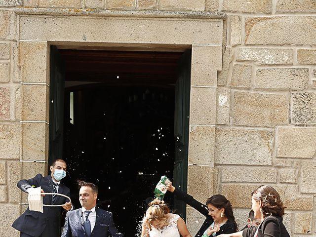O casamento de Simão e Tânia em Santa Cruz do Douro, Baião 56